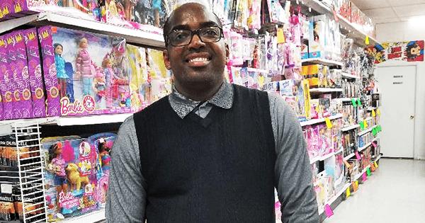 Glendon Warner, former manager at Toys R Us